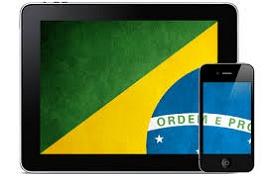 Tablet e smartphone com bandeira brasileira