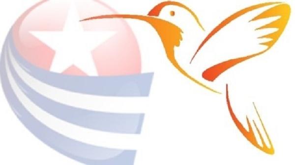 Bandeira de Cuba com um beija-flor ao lado