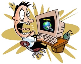 um homem olhando assustado para seu computador