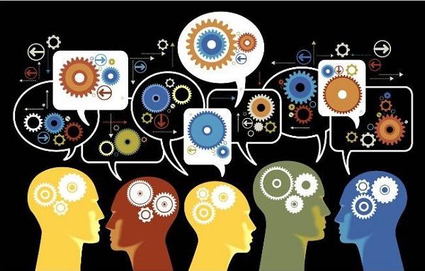 Pessoas compartilhando conhecimento