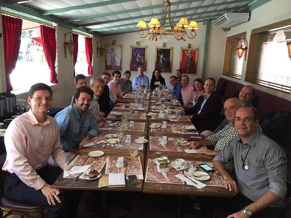 Foto do comitê de inovação em café da manhã