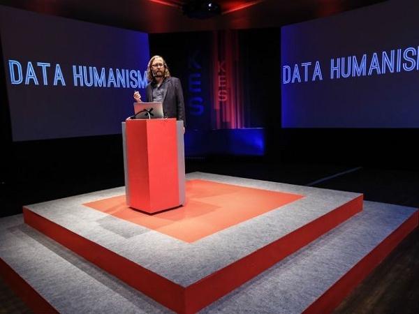Foto de especialista em Data Humanism