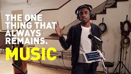 Imagem de um cantor do vídeo sobre a história da música